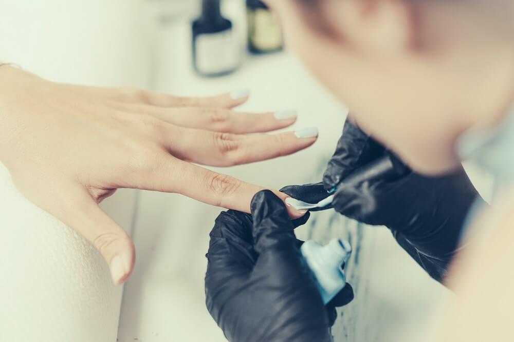 Peeling fingernails