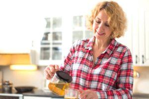 Cinnamon tea for aging